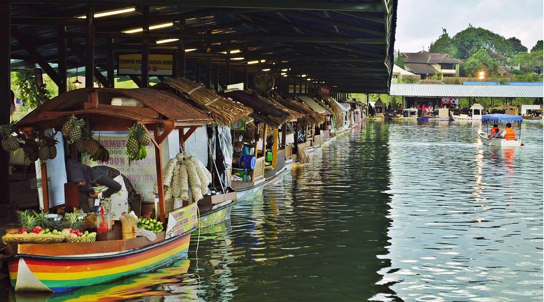Paket Tour Bandung - Pasar Terapung Lembang
